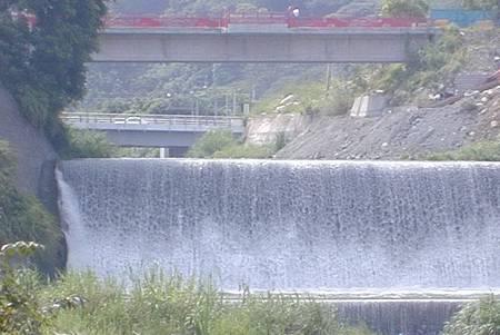 H食水嵙溪瀑布.jpg