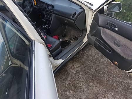 車內燒碳1B.jpg