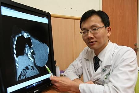 H乳房葉狀瘤2.jpg