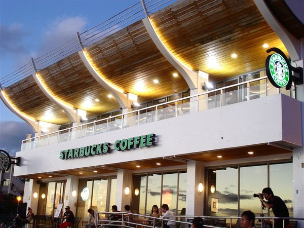 Starbucks河岸門市落日景色