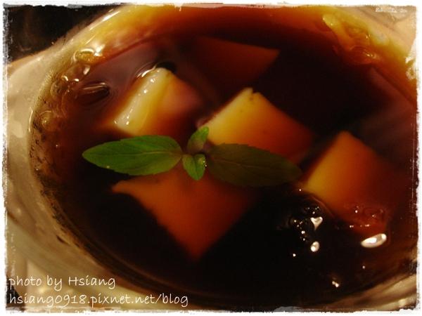 晚餐~黑糖杏仁糕