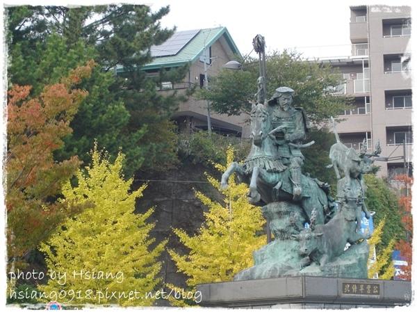 小田原(ODAWAZA)站西口外早雲公像