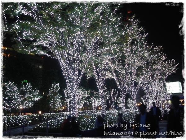 日本新宿南口廣場聖誕裝飾