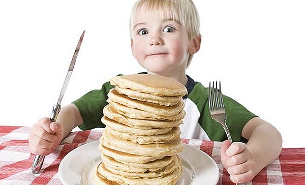 M_Id_376462_Kids_eating_habbit.jpg