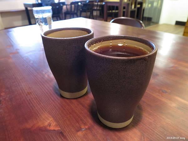 送上水杯後~(附餐) 冰或熱   紅茶