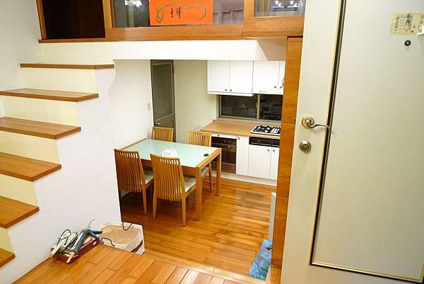 客廳向廚房1