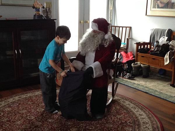 聖誕老公公到家