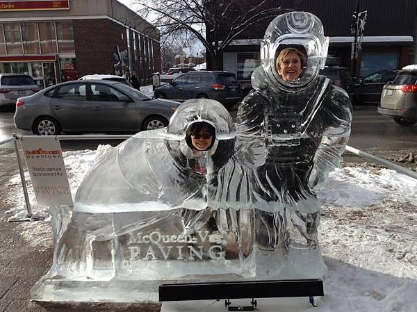 Collingwood街道上的冰雕