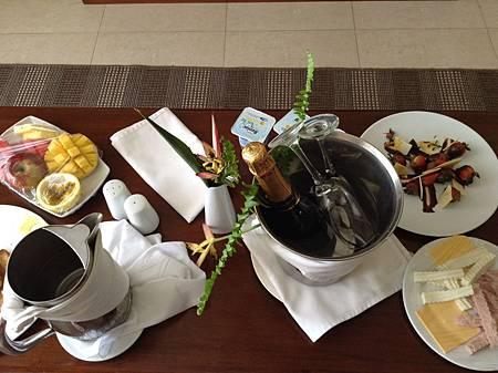 蜜月套房Room Service早餐