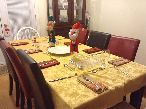 Carol家平安夜的餐桌佈置