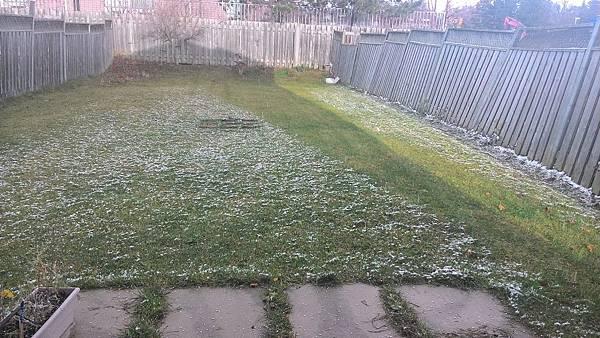 下小小的冰雹.jpg