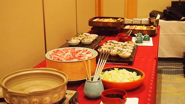 自助式歡迎晚宴餐點.JPG