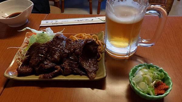 近江牛配啤酒.jpg