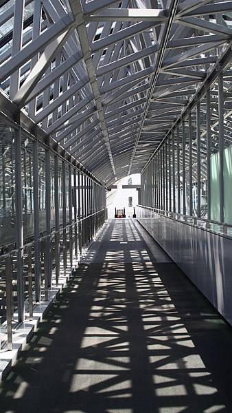 京都車站一隅.jpg