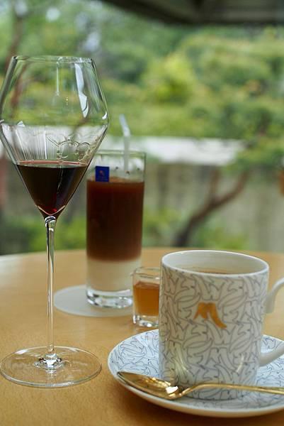 喫茶室享受茶點.jpg