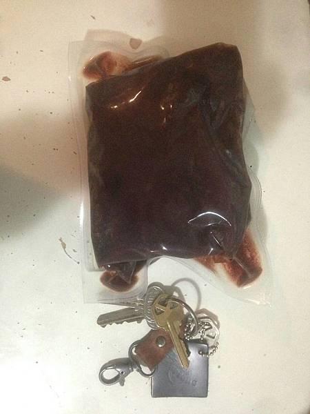 一小袋2片鯨魚肉.jpg