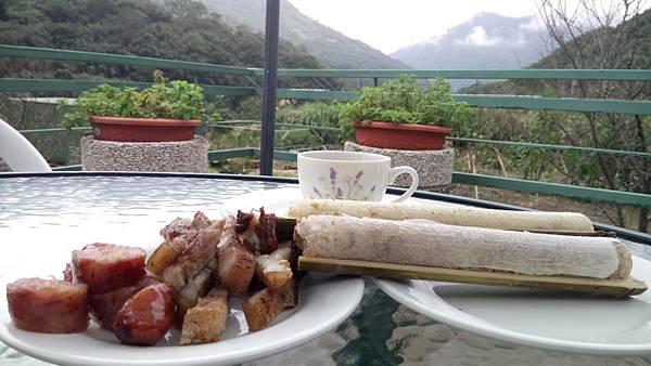 美人湯的烤肉與竹筒飯.jpg