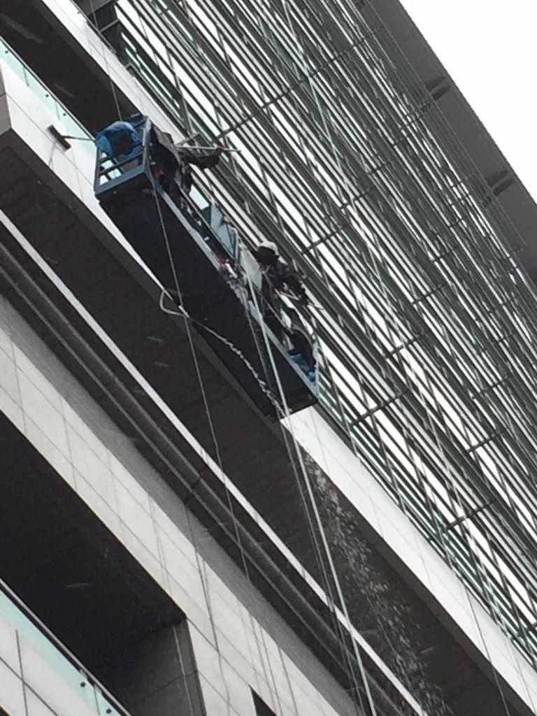 IMG_9912洗窗工人2