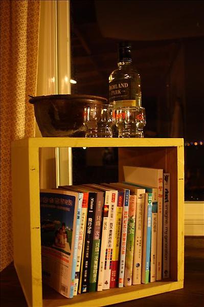 第三間的書架