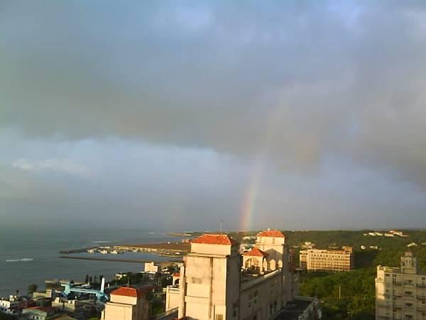 細雨後的彩虹