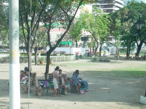 圓環公園裡的市民