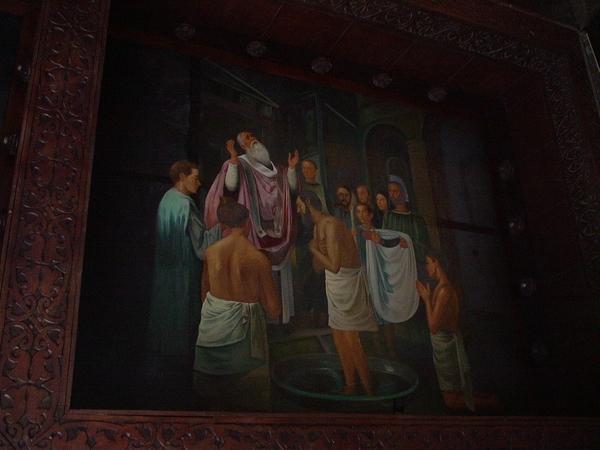 教堂天花板的壁畫~都有故事性~畫工很細~