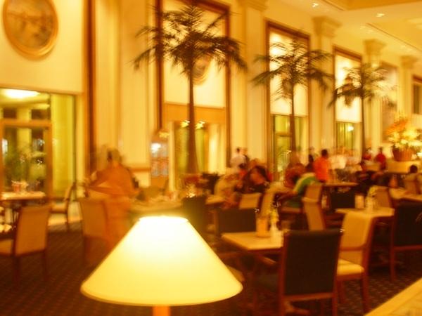 水藍城堡飯店大廳~是蠻氣派的~
