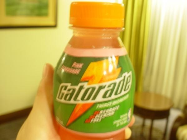 運動飲料請認明這個品牌~口味OK~只是有點貴~
