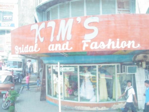 在薄荷島上也發現婚紗店~