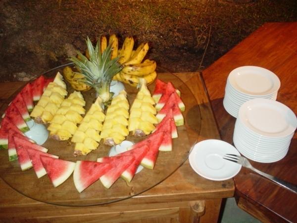 餐後水果~這裡常見香蕉,鳳梨和西瓜~沒啥特別~台灣都吃得到的~