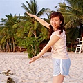 沙灘上的樹~景色好像明信片哦~