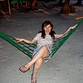 沙灘上的吊床~很想多坐久一點~