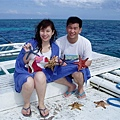 船夫找了一些各色海星讓大家拍照哦!有藍色的海星耶~好特別!