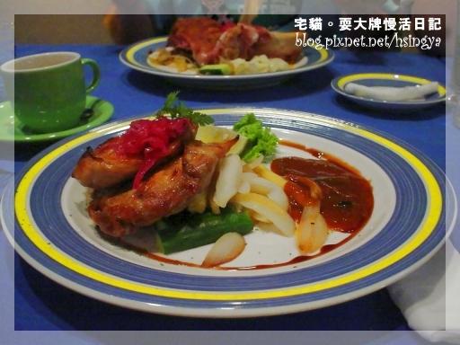 莊姊點的「特選排餐」系列的「南極圓鱈魚排餐」