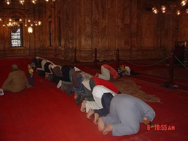 回教徒每日朝拜儀式