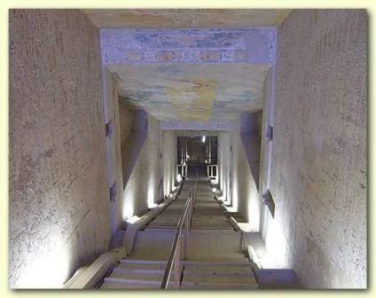 法老陵墓內部