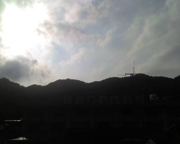0813猴硐車站的山景.jpg
