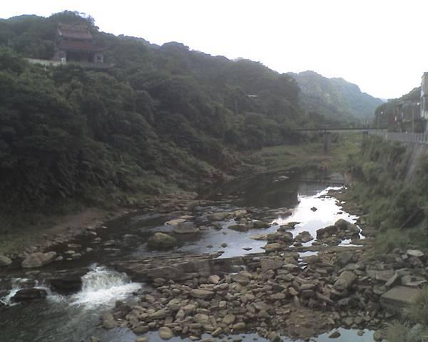0813猴硐礦山園區河景.jpg