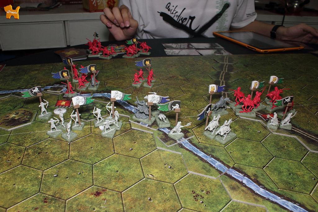 第一劇本:王道遭遇。已經第四回合了,史塔克死守河邊,蘭尼斯特還沒拿下任何一個點!