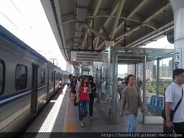 2-六家火車站 (14)