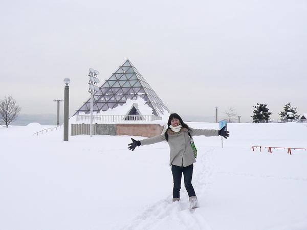 雪跟金字塔
