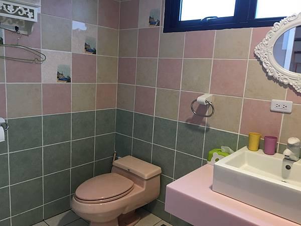 我我們家的廁所大一倍啊