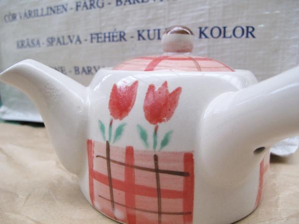 瓷器茶壺.JPG