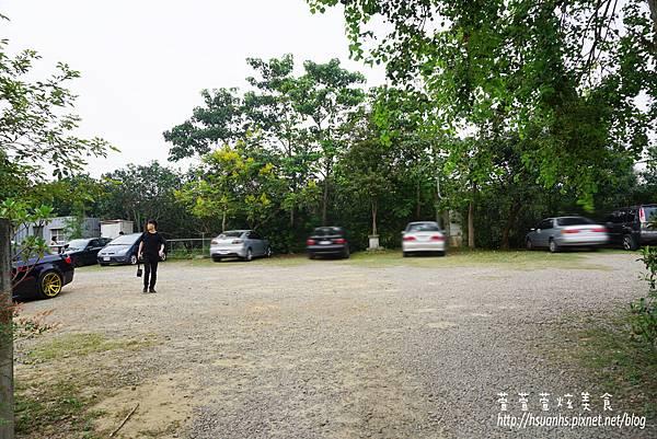 二泉湖畔 (5).JPG
