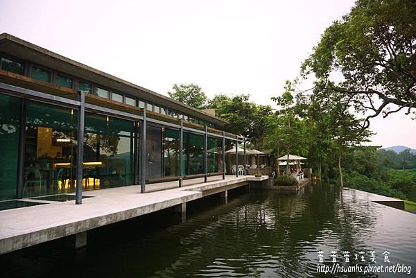 二泉湖畔 (18).JPG