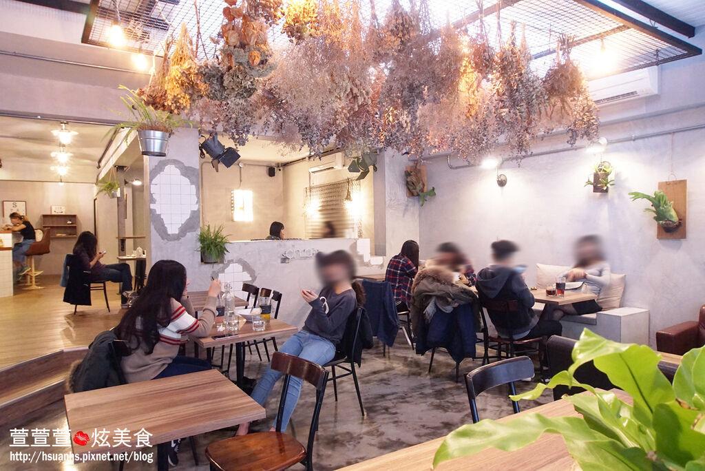 高雄- 44 bit cafe (4).JPG