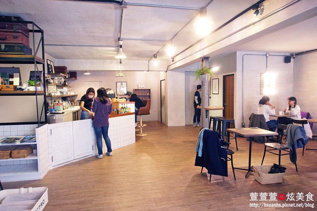 高雄- 44 bit cafe (10).JPG