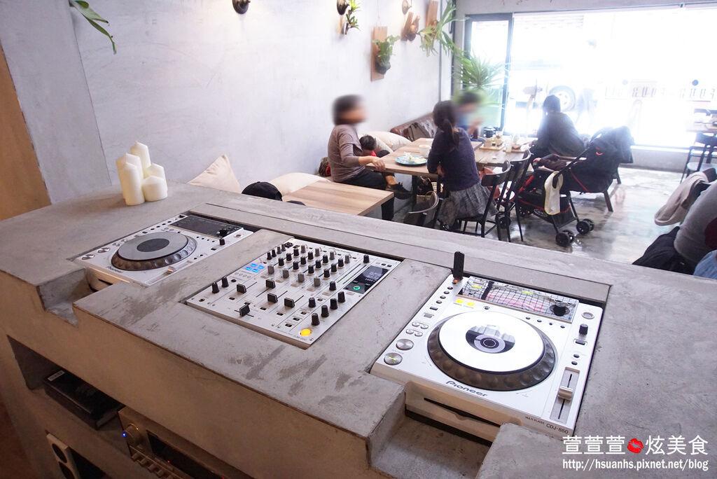 高雄- 44 bit cafe (14).JPG