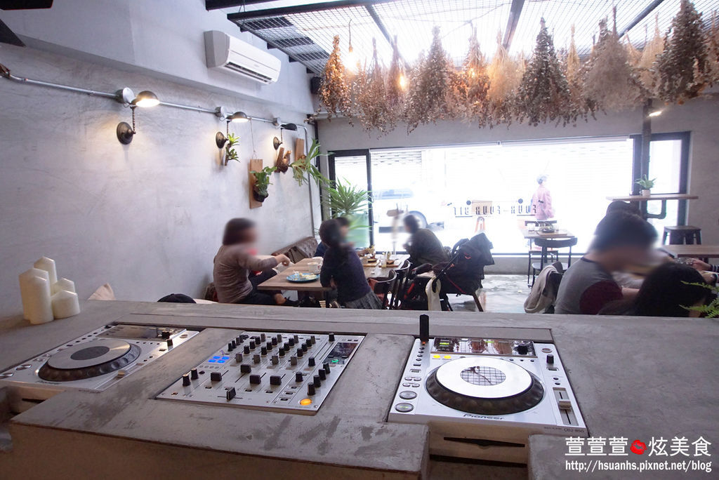 高雄- 44 bit cafe (15).JPG