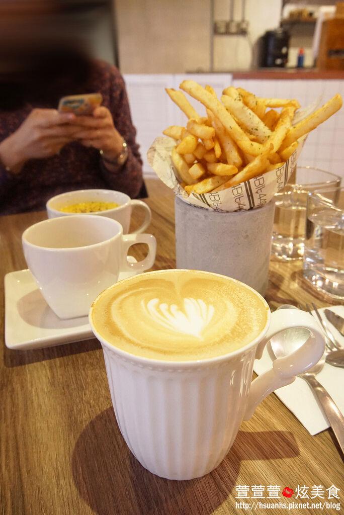 高雄- 44 bit cafe (21).JPG